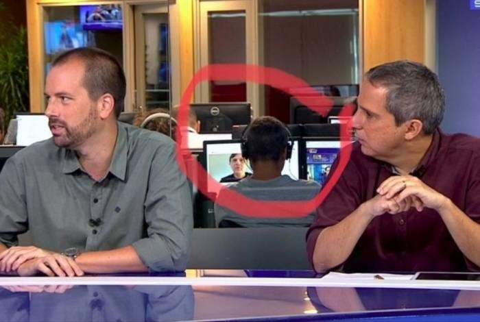 Funcionário do SporTV é flagrado assistindo ao canal de Mauro Cezar