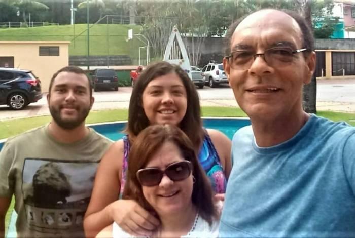 Marco Antônio, a esposa, Zeni, Priscila e Thiago alegam terem sido vítimas de racismo