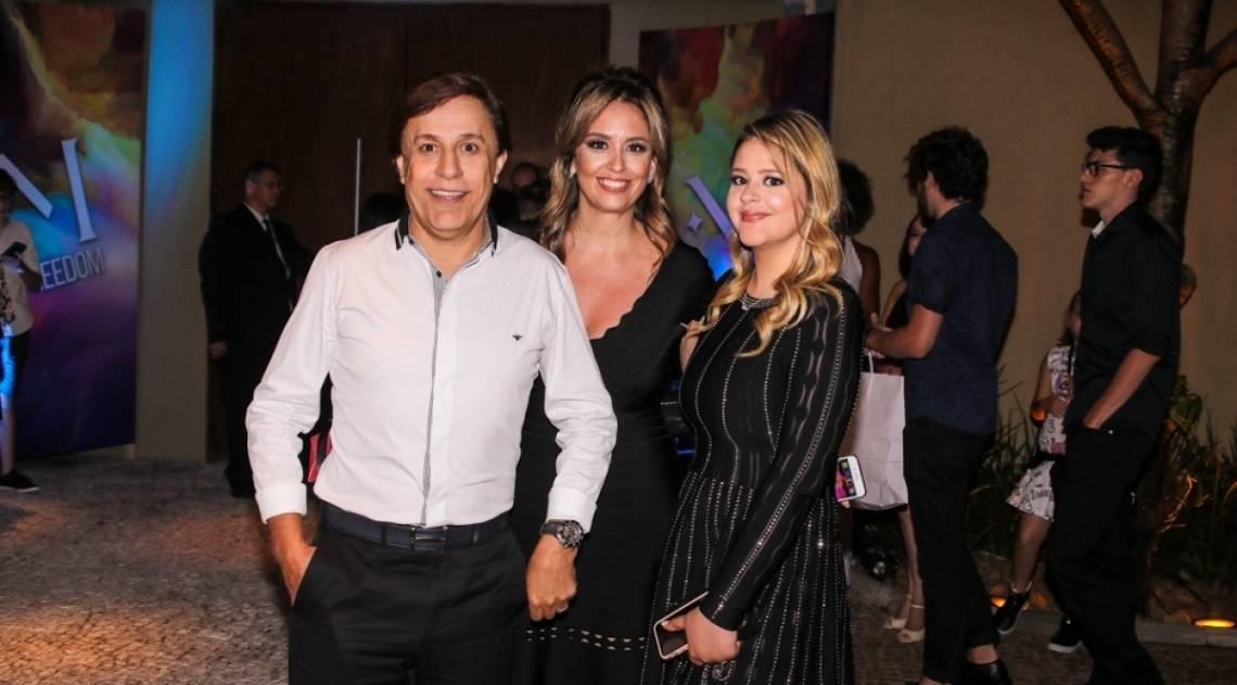 Tom Cavalcante com a mulher, Patrícia Lamounier, e a filha, Maria Antonia Cavalcante