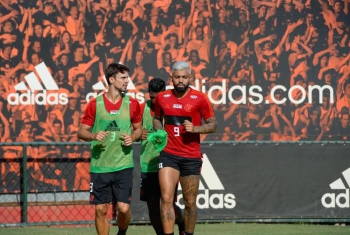 Flamengo faz força-tarefa para ter Rodrigo Caio e Gabigol à disposição na quarta