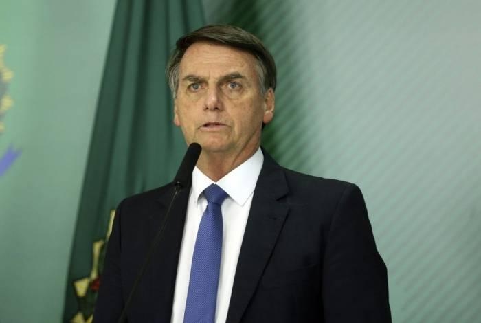 O presidente da República, Jair Bolsonaro, recebeu o texto antes de embarcar de volta ao país e passou parte da viagem analisando duas versões do texto