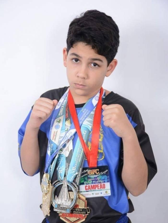 Atleta de artes marciais de apenas 12 anos é promessa no esporte