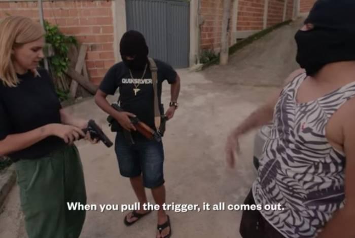 A produção da Vice News mostra a rotina dos criminosos, a grande apreensão de armas. Traficantes dizem não temer a política de Jair Bolsonaro