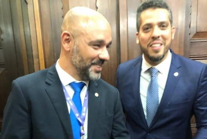 Márcio Pacheco (à esquerda), e, ao lado, Rodrigo Amorim (PSL)