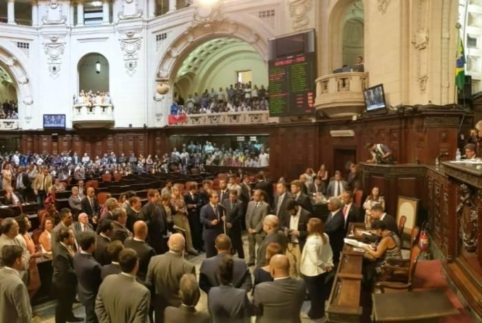 Líderes de partidos vão se reunir antes da votação em plenário