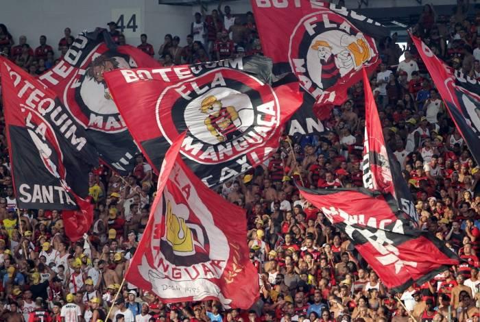 Torcida do Flamengo durante a partida contra a Cabofriense