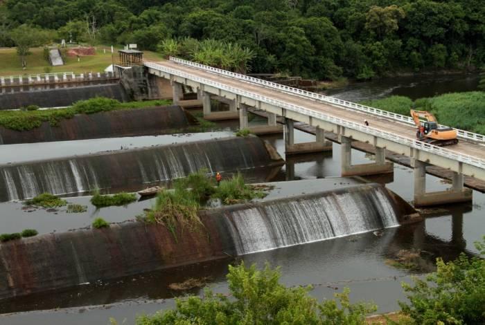Barragem de Juturnaíba: moradores temem rompimento