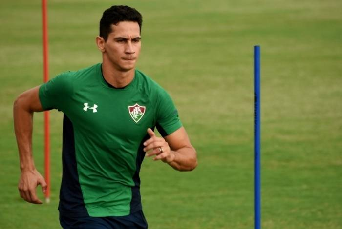 Ganso faz trabalho físico no CT da Barra: principal contratação do clube deve estrear no dia 1º de março