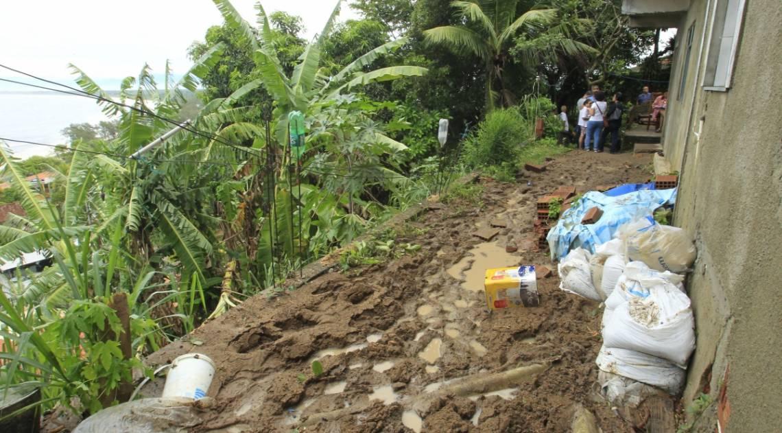 Local onde mãe e filho morreram em Barra de Guaratiba