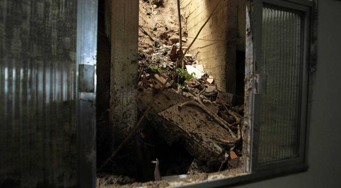 Casa da família Paz foi soterrada. Mãe e filho morreram em Barra de Guaratiba