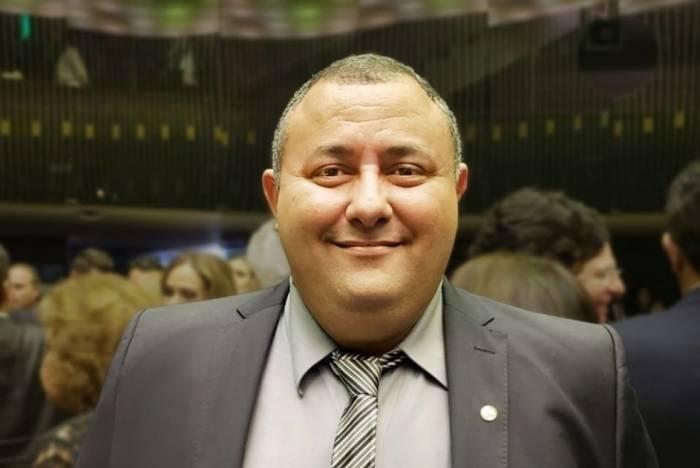 Deputado federal Márcio Labre (PSL-RJ) solicitou a retirada do projeto contra DIU e pílula do dia seguinte após ampla repercussão nas redes sociais