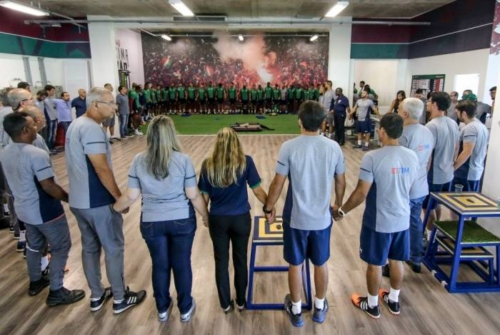 Jogadores e comissão técnica do Fluminense se uniram para rezar pelas vítimas