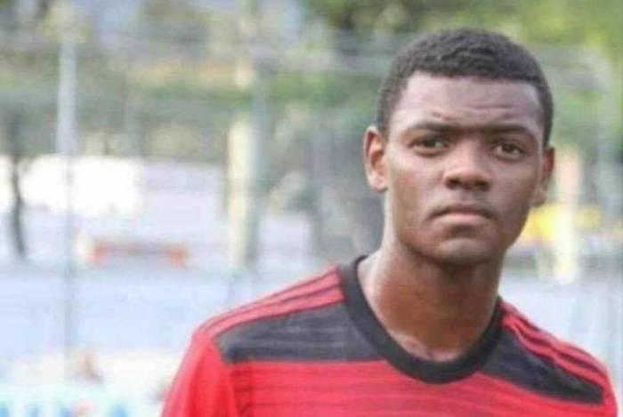 Pablo Henrique era primo do zagueiro Werley, jogador profissional do Vasco. O jovem morava no CT Ninho do Urubu