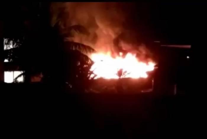Incêndio atinge alojamento do Centro de Treinamento do Flamengo, em Campo Grande, na Zona Oeste do Rio