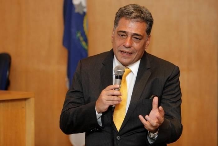 Júlio Bueno