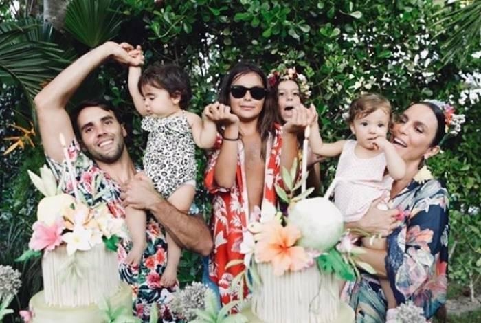 Ivete Sangalo e o marido Daniel Cady com os filhos
