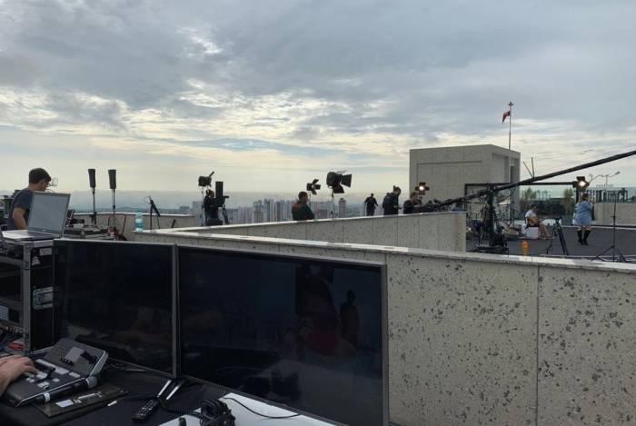 Naiara Azevedo grava novo DVD ao nascer do sol, no topo do segundo prédio mais alto do Brasil
