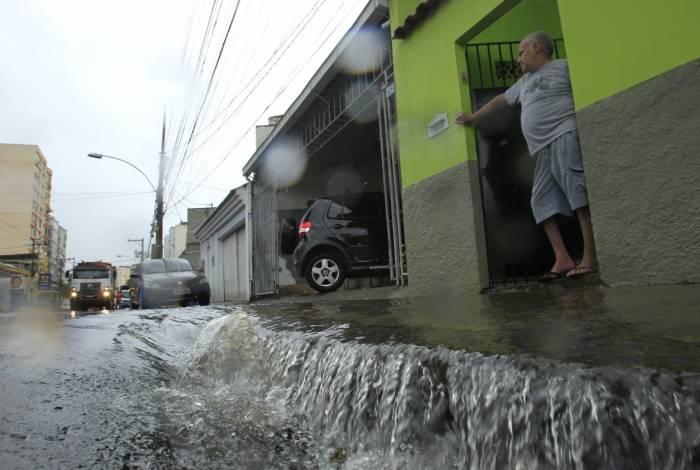 Impacto da chuva dos últimos dias no Engenho Novo