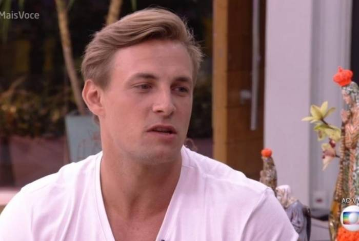 Diego diz que não se incomoda com comentários de Hana sobre sua sexualidade: 'sou bem resolvido'