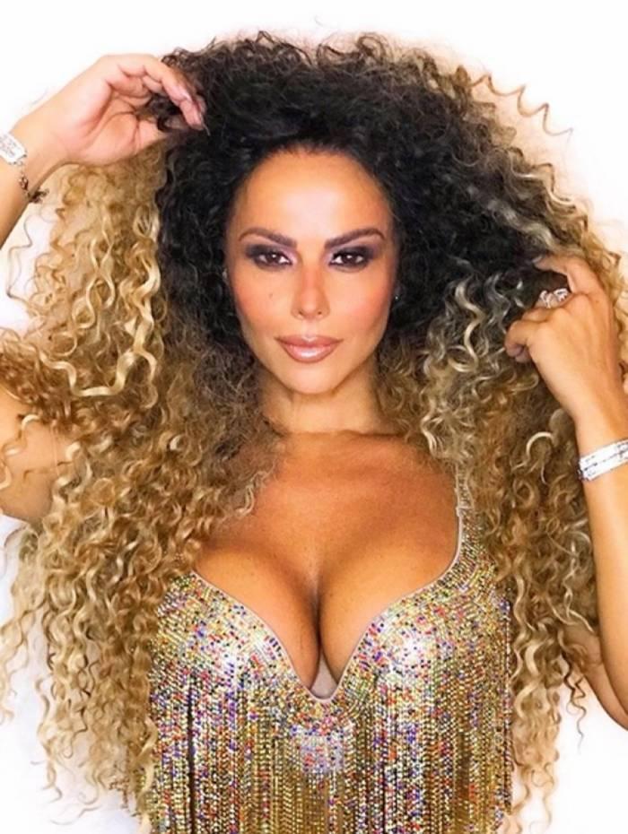 Viviane Araújo está em clima de Carnaval
