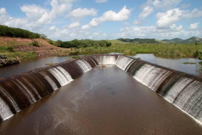 Vistoria da barragem de Juturnaíba, em Araruama