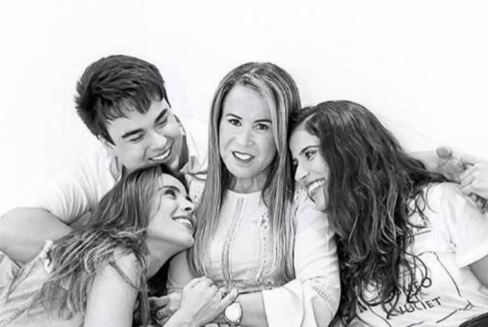 Zilu Camargo e os filhos, Igor, Camila e Wanessa Camargo