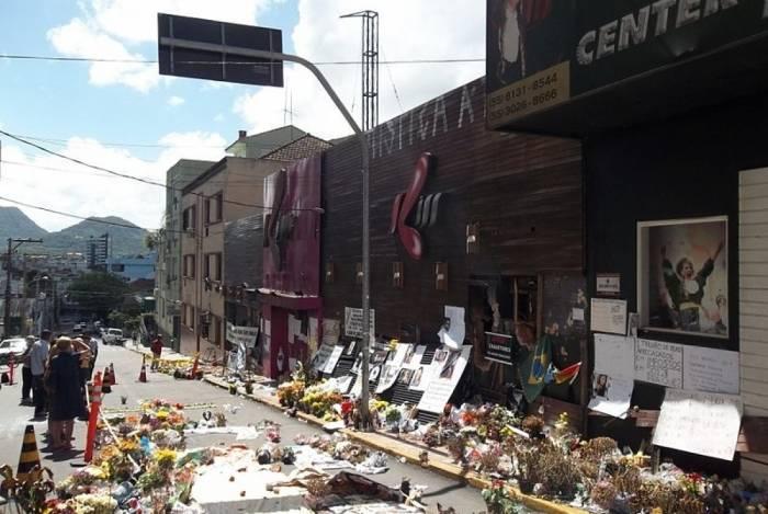 Boate Kiss: tragédia que comoveu o país resultou na morte de 242 pessoas, em janeiro de 2013