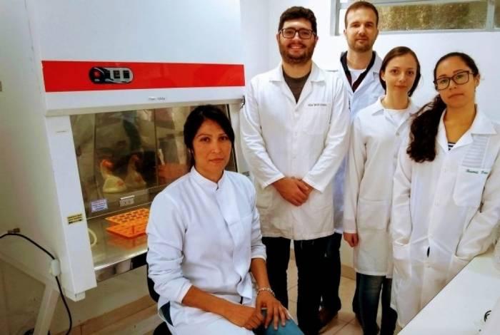 Professores Flora Milton e Leonardo Mendonça são os orientadores do estudo da UFF Friburgo