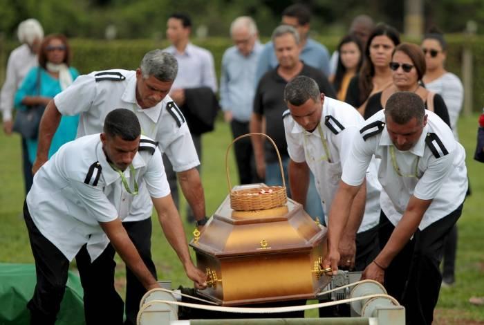 Pedro Henrique foi sepultado na manhã deste sábado