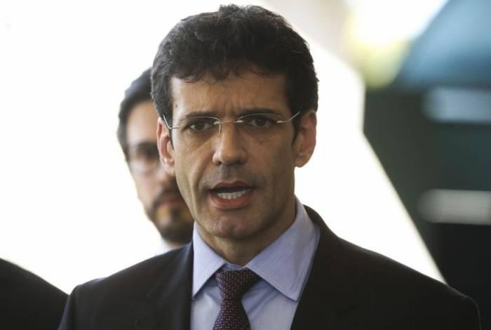 O futuro ministro do Turismo no governo de Jair Bolsonaro, deputado federal Marcelo Ã.lvaro AntÃŽnio, fala à imprensa, no CCBB.