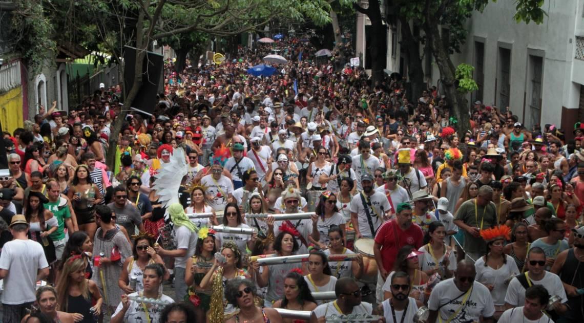 Volta Alice arrastou uma multidão pelas ruas de Laranjeiras