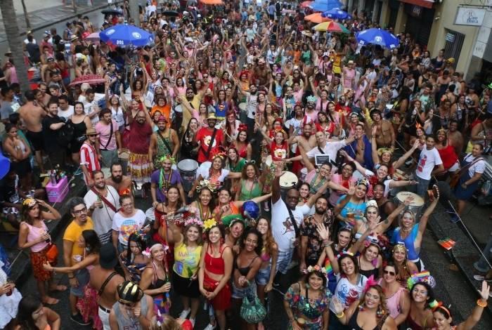 Blocos atraem multidão ao Rio