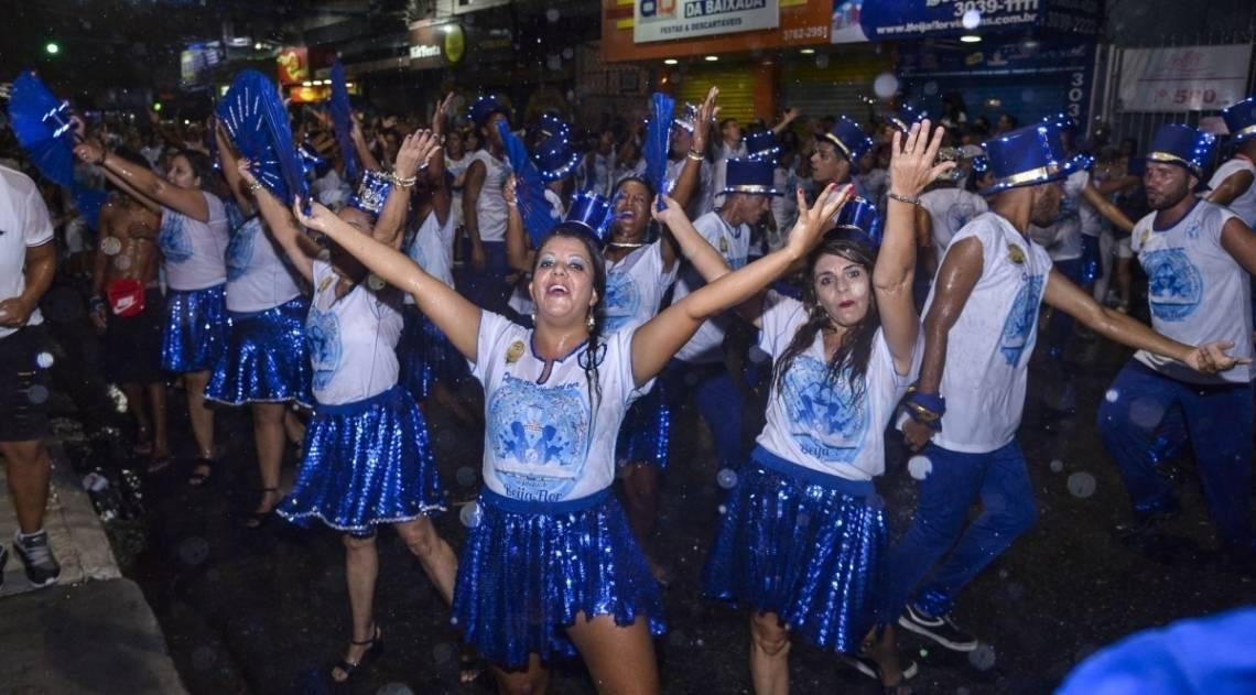 Ensaio de rua da Beija-Flor de Nilópolis