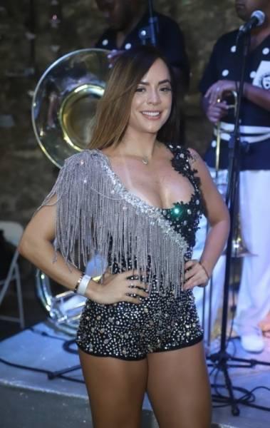 Paolla Oliveira é coroada rainha do Cordão do Bola Preta