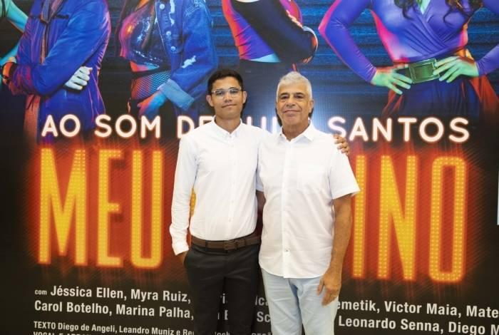 Lulu Santos foi com o noivo, Clebson, assistir ao musical