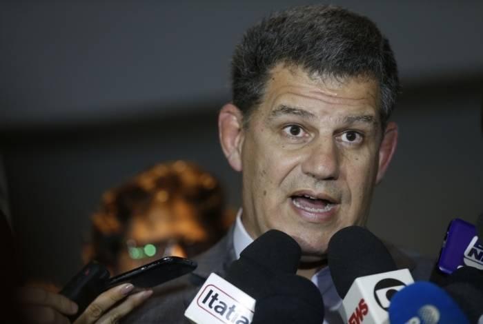 """Na conversa, Bolsonaro trata a TV Globo como """"inimiga"""" e manda o agora ex-ministro cancelar uma audiência com um representante da direção da empresa, no Palácio do Planalto"""