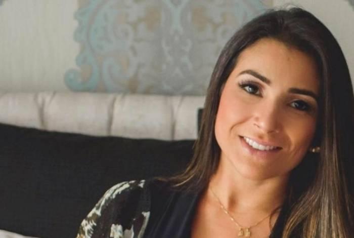 Corpo de Fernanda Damian de Almeida, que estava grávida de cinco meses, foi identificado; ela estava de férias com o noivo e seus familiares em Brumadinho