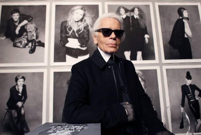 O estilista alemão Karl Lagerfeld morre aos 85 anos