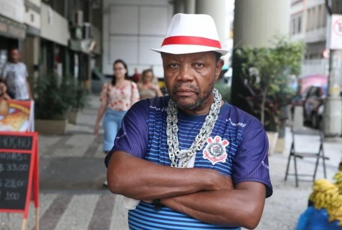 Natalino de Araújo, 64 anos, garçom, morador da Lapa, espera conseguir aposentar antes da reforma