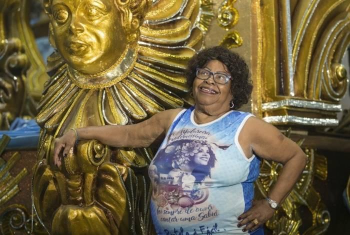 Entrevista com Tia Surica (Iranette Ferreira Barcellos, Rio de Janeiro, 17 de novembro de 1940) no barracão da Portela na Cidade do Samba. Foto: Daniel Castelo Branco / Agencia O Dia