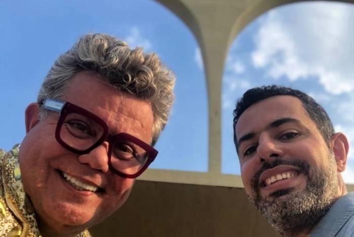 O comentarista Milton Cunha e o repórter Chico Regueira: bastidores do programa 'A Roda', da Globo