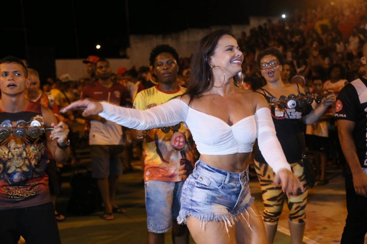 Viviane Araujo Nude Photos 31