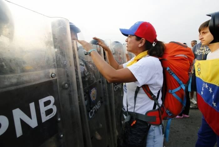 7d4fcb3783 Venezuela  Guaidó e Maduro convocam manifestações O Dia - Mundo ...