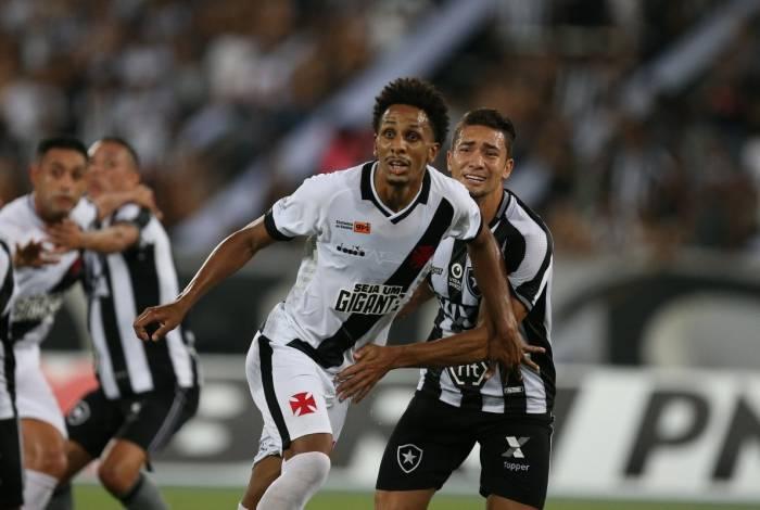 Botafogo X Vasco duelam em partida válida pela primeira rodada da Taça Rio, no Estádio Nilton Santos. Foto: Daniel Castelo Branco / Agência O Dia.