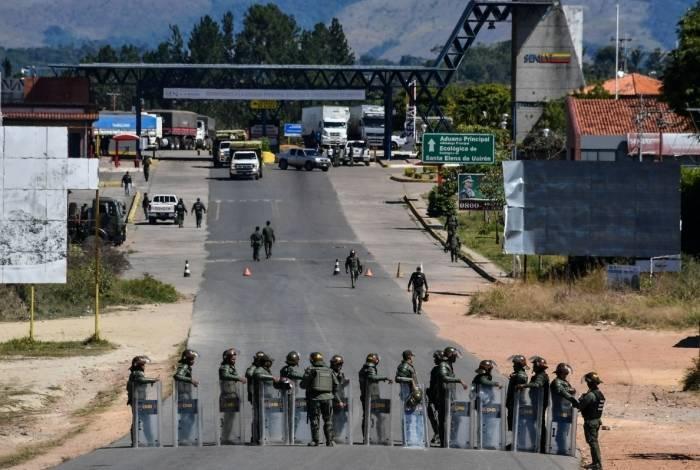 0b7c0372bf Dois militares venezuelanos pedem refúgio no Brasil O Dia - Mundo ...