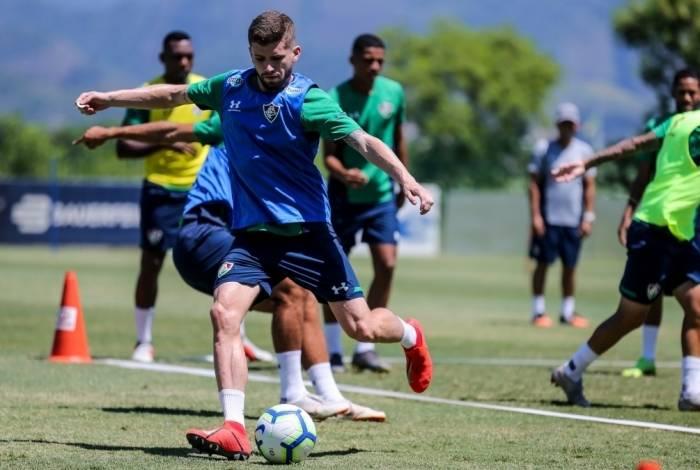 Destaque na vitória sobre o Bangu, Caio Henrique será titular de novo no Fluminense, agora pela Sula
