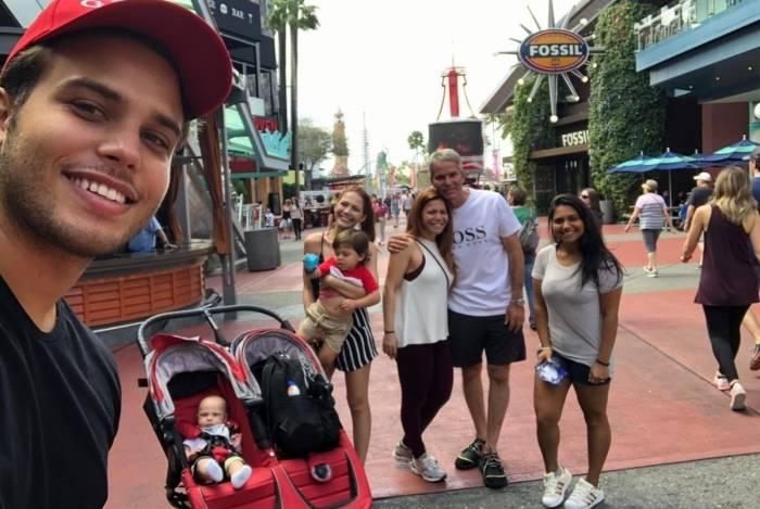 Família Poncio de férias em Orlando