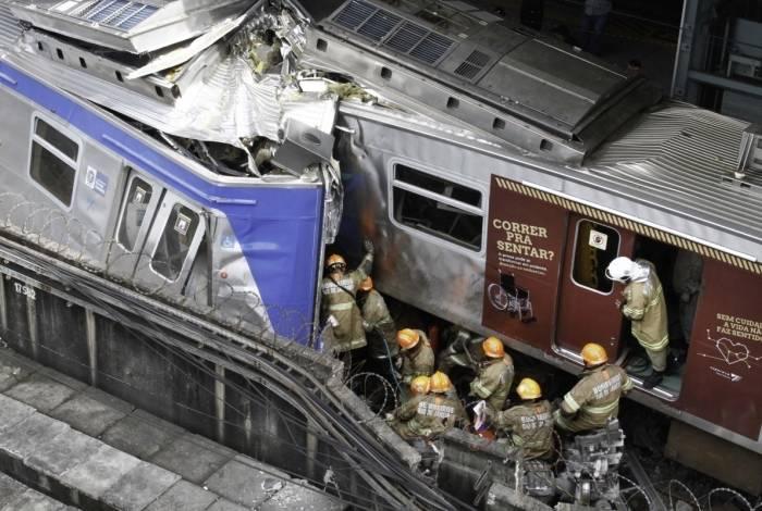 Trens da SuperVia colidem na estação de São Cristóvão, na Zona Norte do Rio