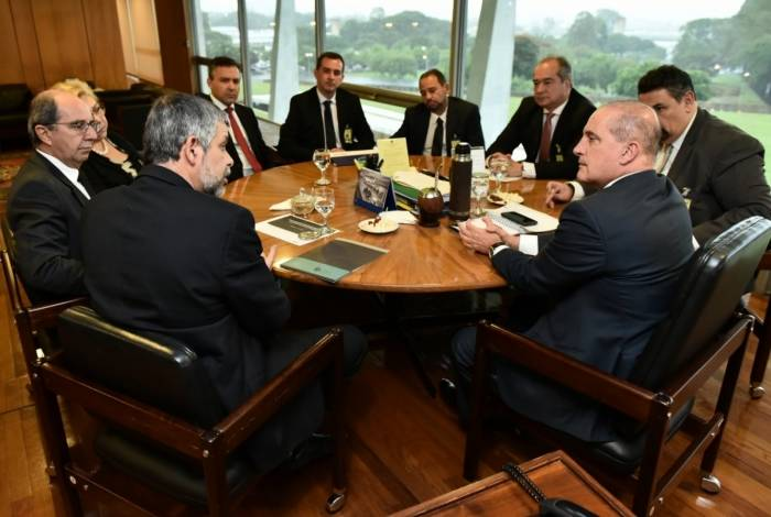 Representantes do Fonacate e Frentas se reuniram nesta quinta-feira com o ministro da Casa Civil, Onyx Lorenzoni
