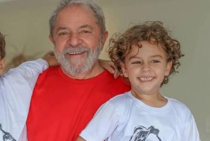 Arthur Araújo Lula da Silva tinha sete anos e morreu por conta de uma meningite